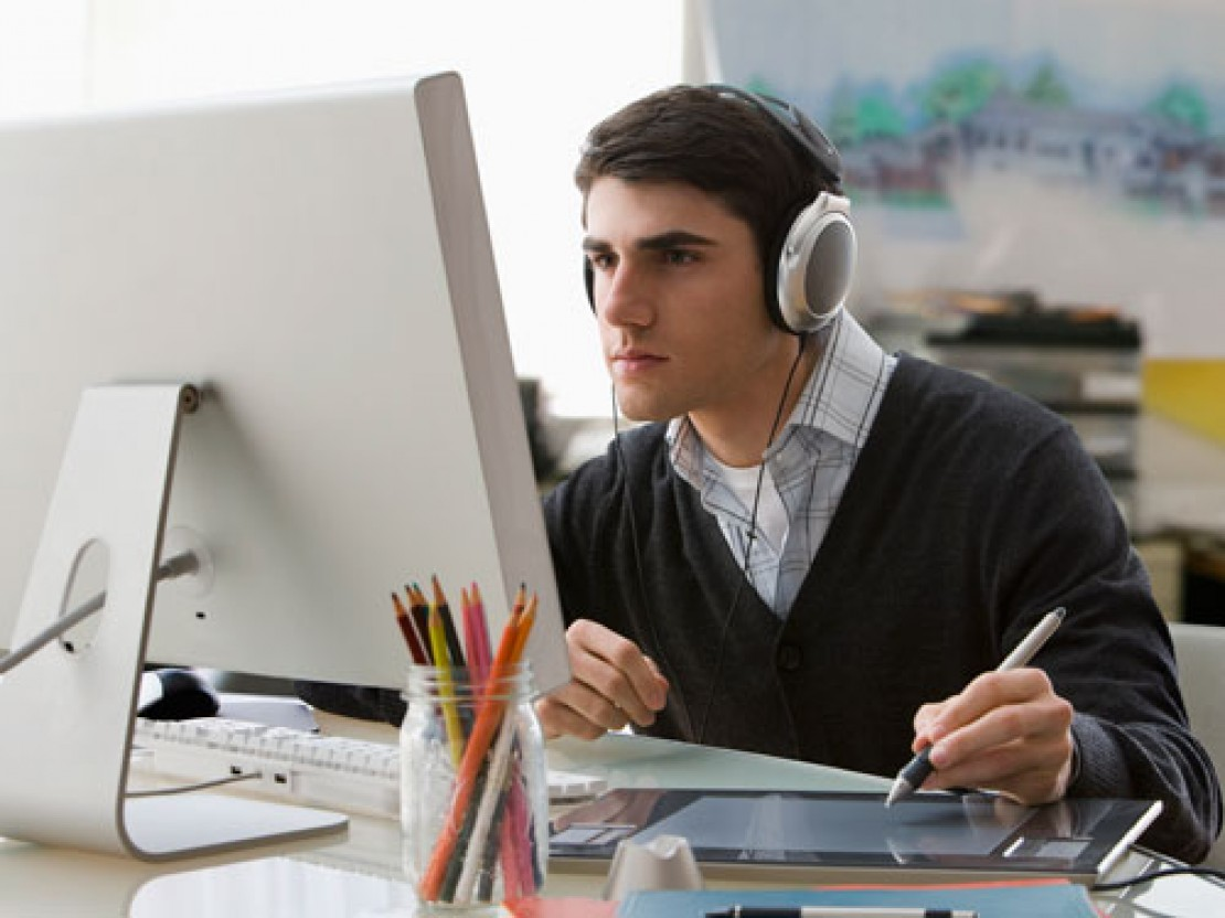 Работать ли под музыку – советы экстремального психолога